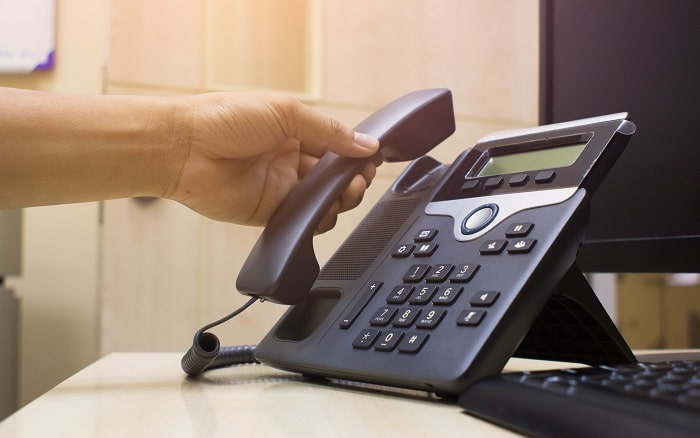 how does voip work telephone voice over internet protocol online phone calls