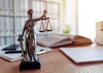 how to manage a small law firm