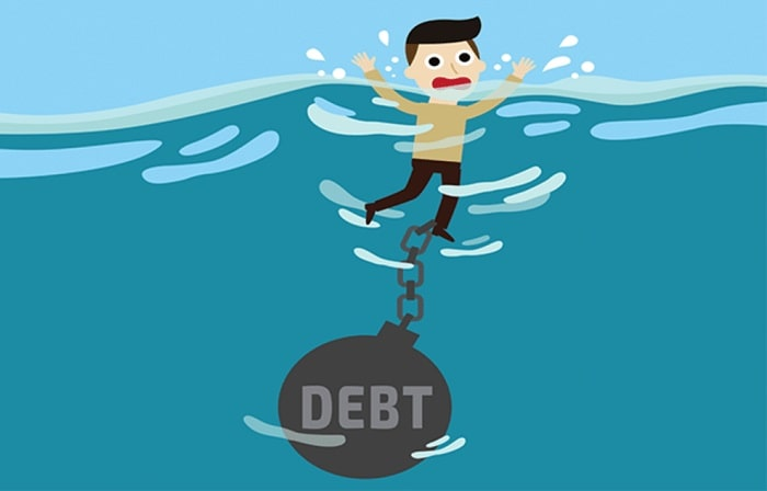 i'm drowning in debt how to fix finances