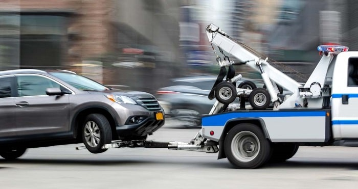 important features professional towing service top tow truck companies