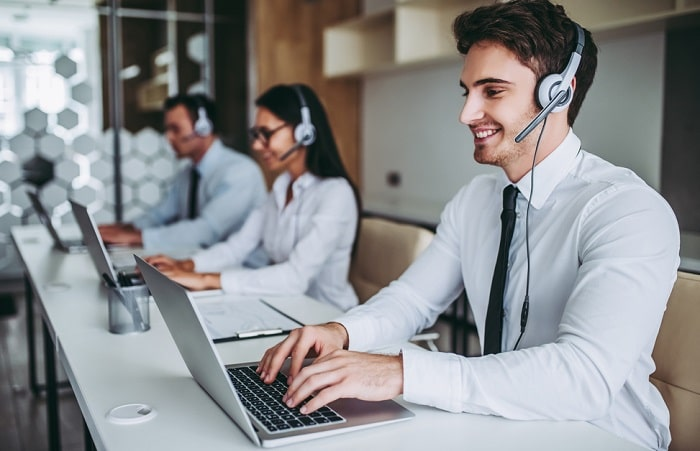 advantages call center outsourcing telemarketing customer service phone calls save money