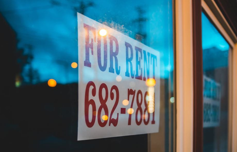 bootstrap business cheap rent frugal retail