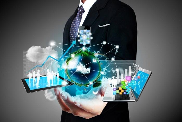 top software solutions for entrepreneurs custom SaaS vs generic programs