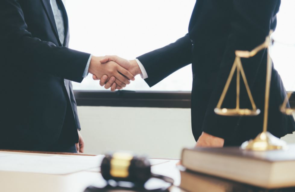 benefits business acquisition lawyer company M&a attorney
